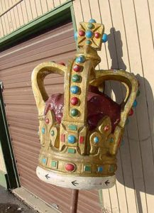 Vintage Old English Style Crown...Still has a pole on it , stands approx. 6' tall..Excellent condition... Not sure what it was used for, but its cool........$ 1500